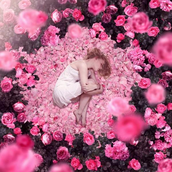 Картинки с розами девушек