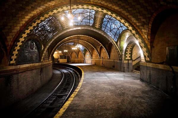 Заброшенная станция метро (1)