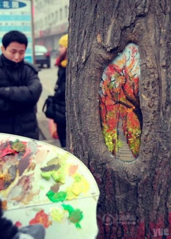Какими красками рисуют по дереву на улице