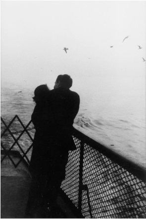 фото черно белое влюблённых