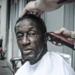 Каждое воскресенье парикмахер делает бесплатные стрижки бездомным Нью-Йорка