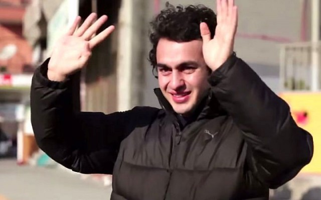 Глухой парень был тронут до слез, узнав, что жители его района выучили язык жестов, чтобы поговорить с ним (18 фото + видео)
