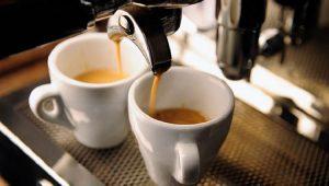 Посвящаем пост всем кофеманам. Вот что кофе делает с вашим организмом!