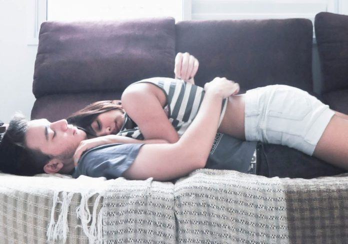 Секс в постели без подтверждения