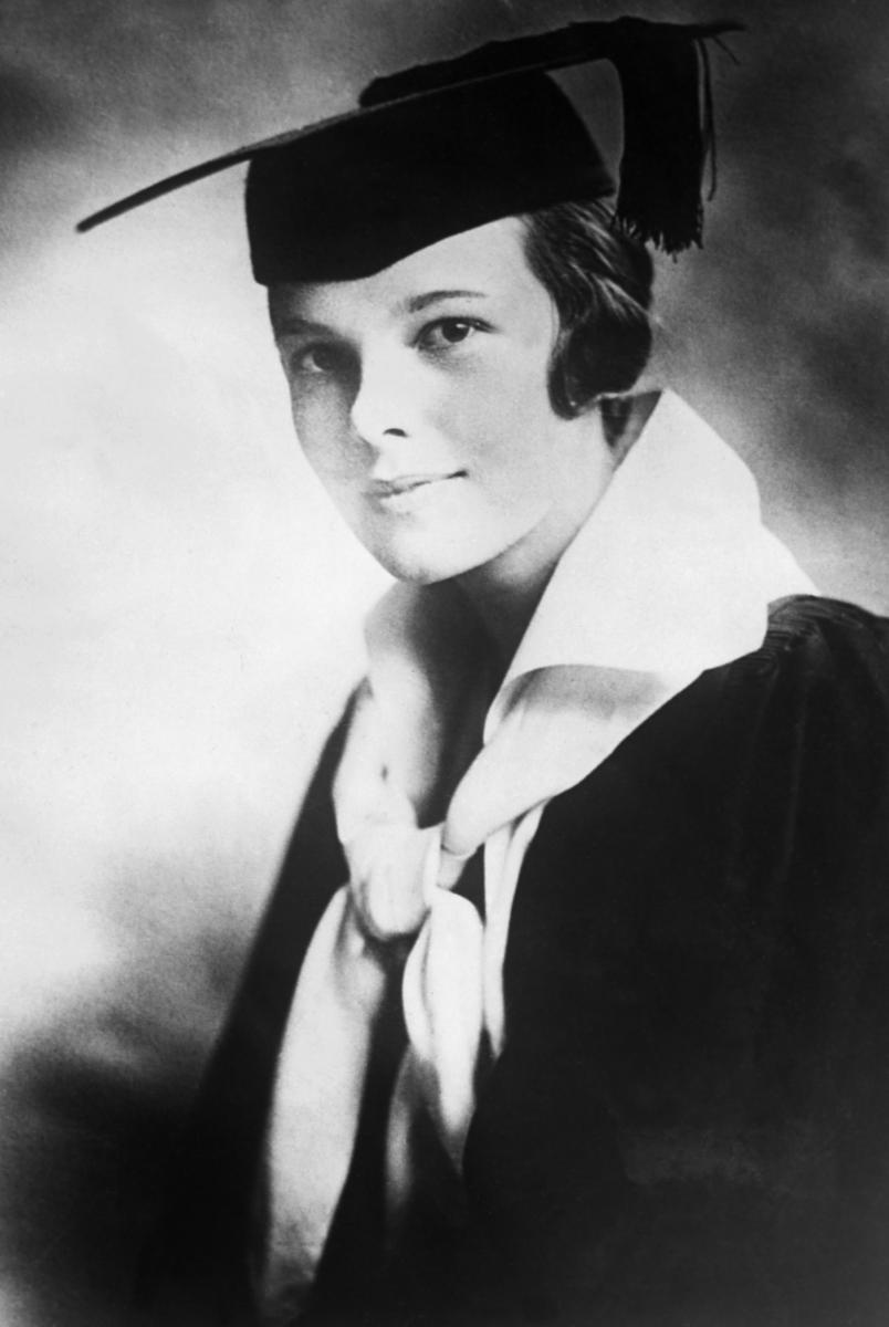 amelia earhart schools she attended - HD804×1200