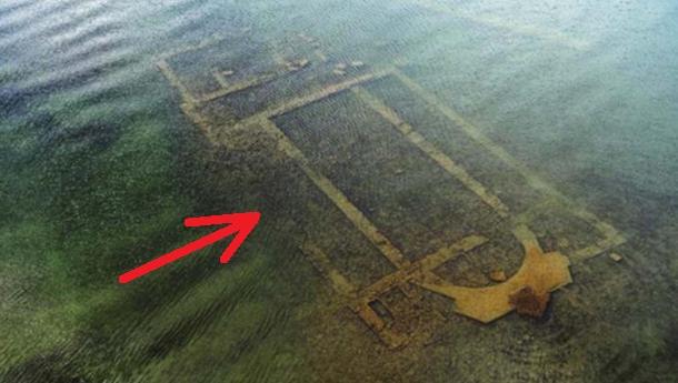 Загадочные подводные руины в турецком озере оказались 1600-летней базиликой