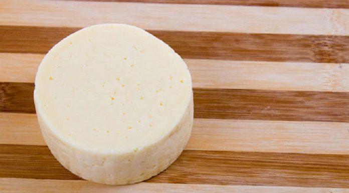 Задачка на сообразительность: как поровну разрезать сыр?