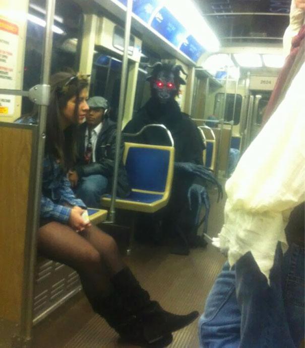 Очень странные люди, которых можно увидеть в метро