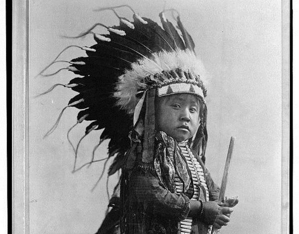 Потрясающие фото индейского племени кроу и их культуры