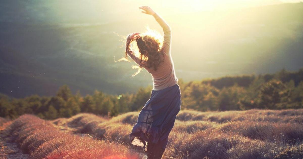 ближайшие картинки со словом счастлива дает