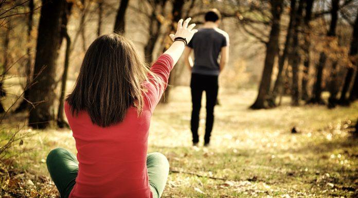 6 действий, которыми вы отталкиваете своего партнера
