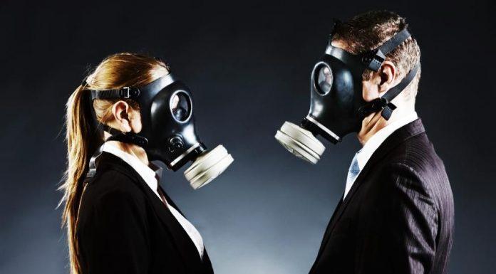 Почему ваш токсичный экс-партнер настойчиво рвётся в вашу жизнь