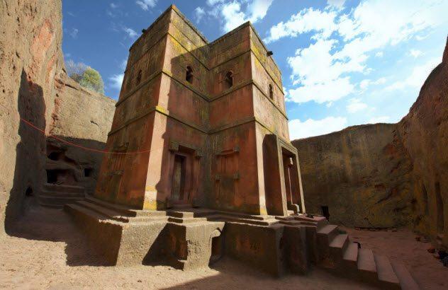 10 самых необычных церквей в мире (10 фото)