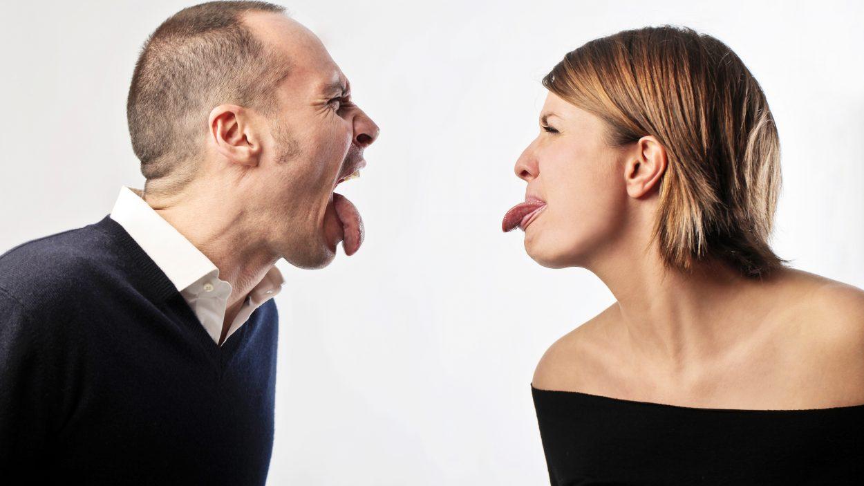 Февраля женщине, смешные картинки ссор влюбленных