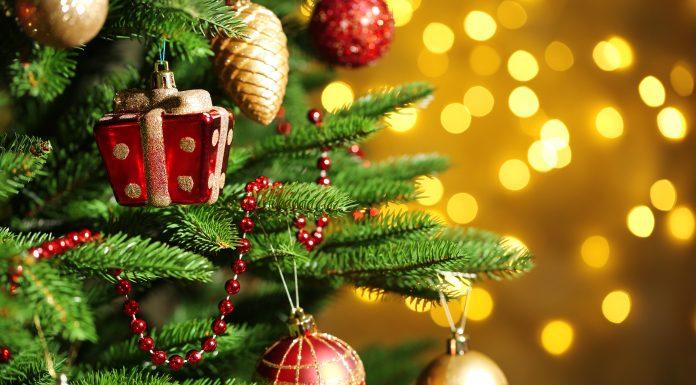 Как украсить елку на Новый год 2018 в лучших традициях Деревянной Собаки?