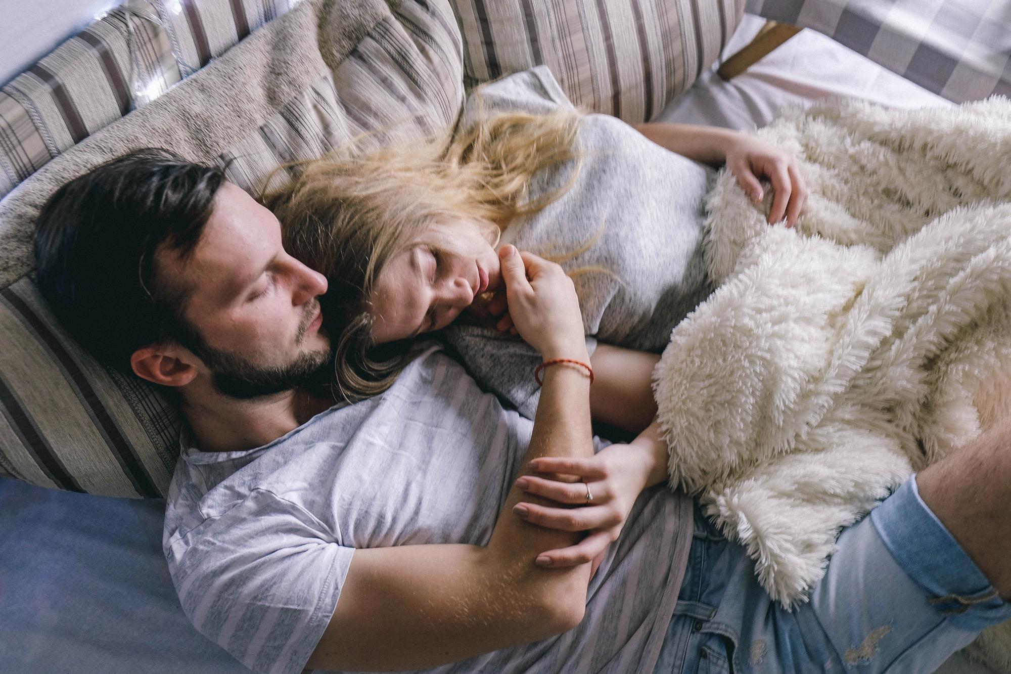 поделиться фото человека любящего поспать обтянуты натуральной или