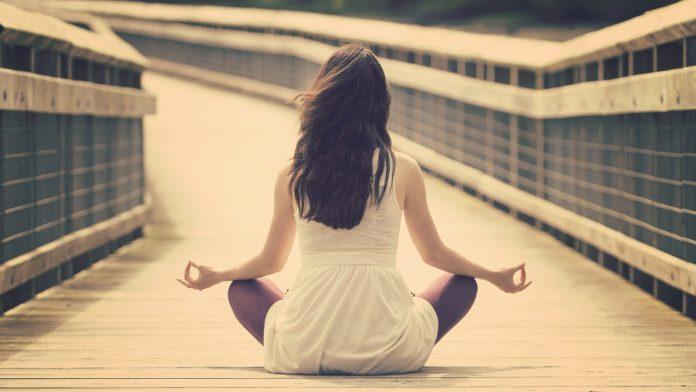сохранять спокойствие