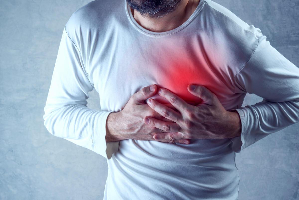 Как правильно оказать первую помощь при инфаркте миокарда