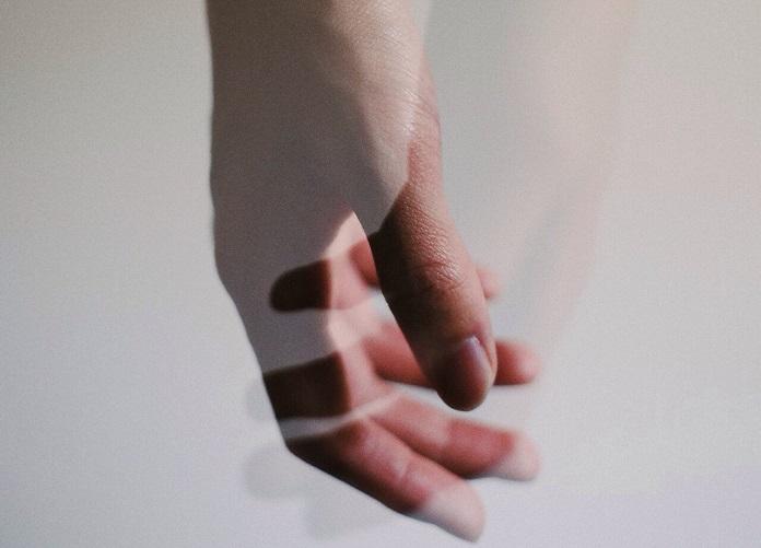 Потеря близкого человека: как это пережить и как справиться с горем?
