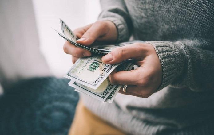 Как правильно распоряжаться деньгами и тратить их