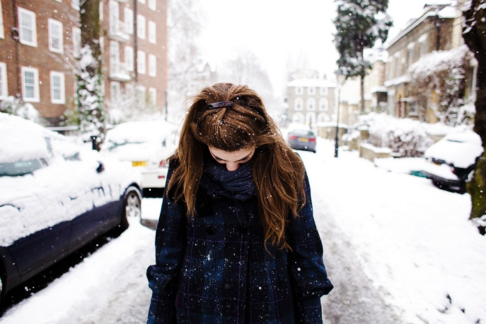 без шапки зимой