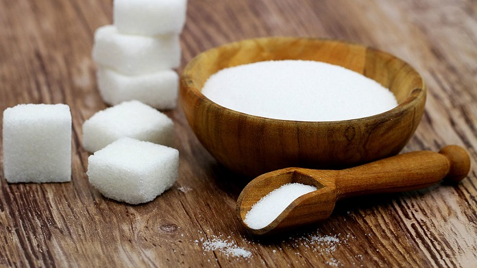 Сахар и соль: почему надо исключить из рациона этих разрушителей здоровья
