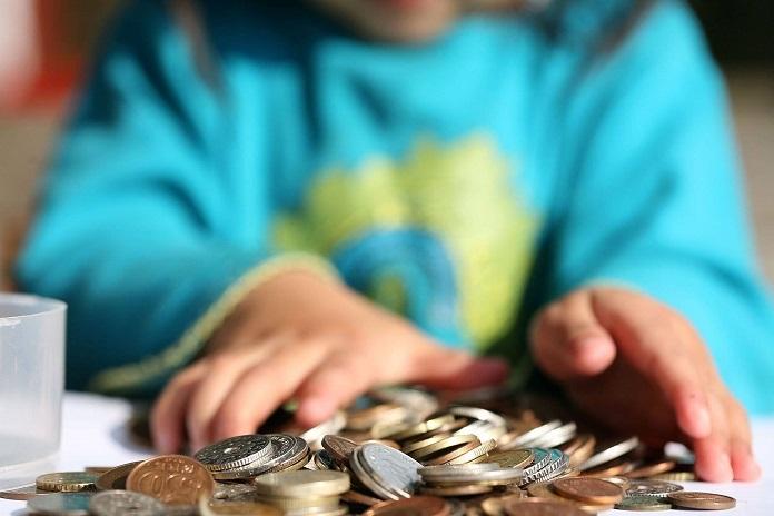 Обязательно преподайте своим детям эти 10 уроков о деньгах